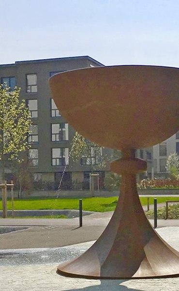 CALIX – Kelch und «surrealistischer» Brunnen